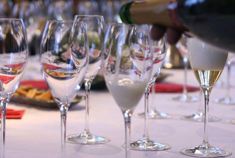 Champagne-provning med middag 19 november – fullbokad